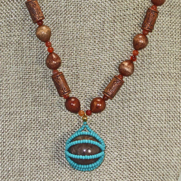 Mab Beaded Jewelry Necklace close up front view