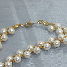 Load image into Gallery viewer, Abia Pearl Beaded Necklace clasp view
