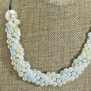Dalila Bead Crochet Necklace blow up view