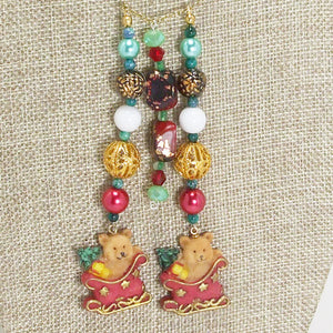 Earwyn Christmas Single Strand Dangle Necklace blow up view front