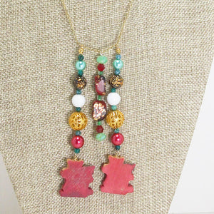 Earwyn Christmas Single Strand Dangle Necklace p=back view