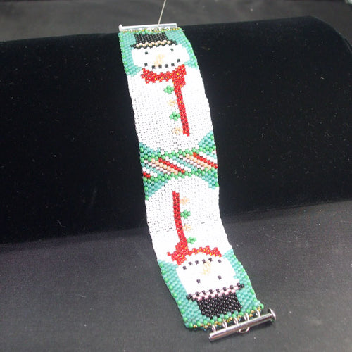 Gada Loom Weave Christmas Bracelet front relevant view