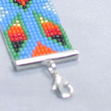 Load image into Gallery viewer, Quibele Loom Native Bracelet clasp view