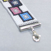 Load image into Gallery viewer, Page Loom Squares Bracelet clasp view