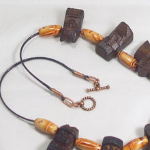 Load image into Gallery viewer, Wallis Wood Beaded Necklace clasp view