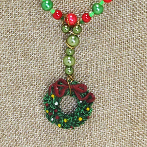 Bandi Beaded Christmas Necklace blow up view