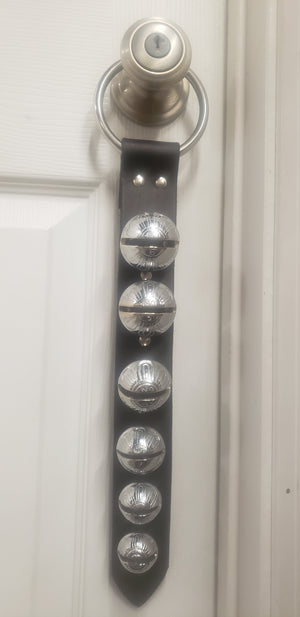 Door Hanger 6 Graduating Bells Black/Silver