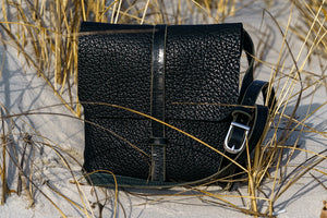 Medium Black Journey Seagrass