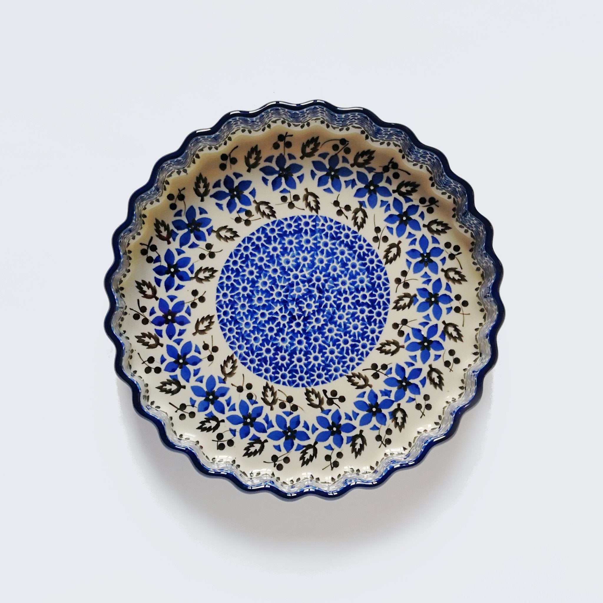 Boleslawiec Stoneware Fluted Pie Dish in Blue and White Hand-decorated design