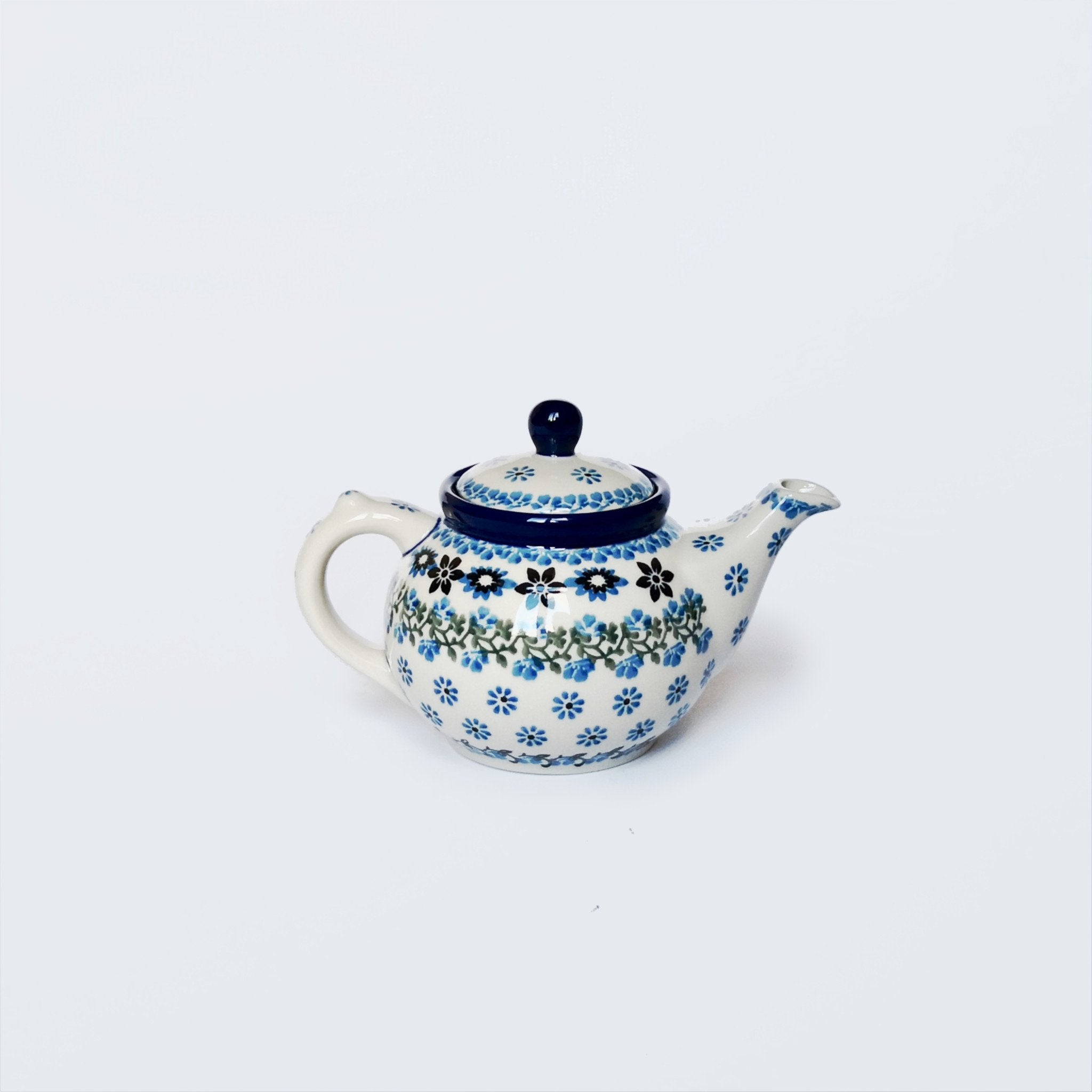 Small Teapot in Sweet Maria