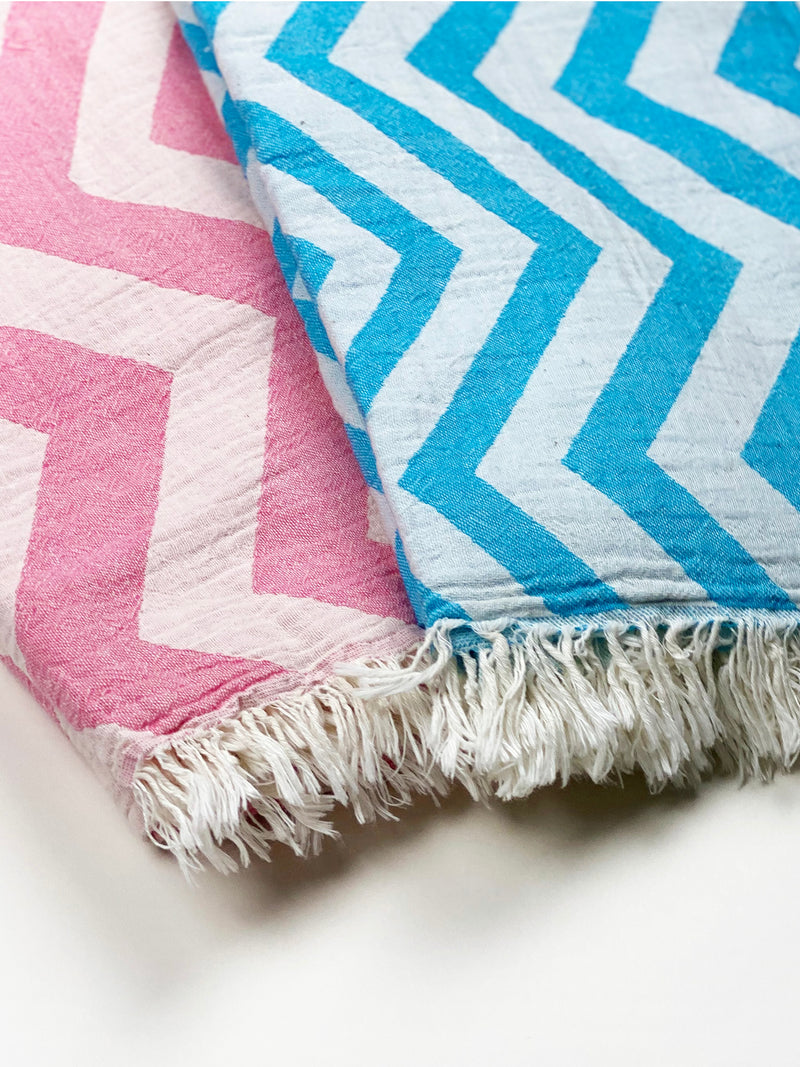 IONIAN CHEVRON DOUBLE-SIDED BEACH TOWEL.