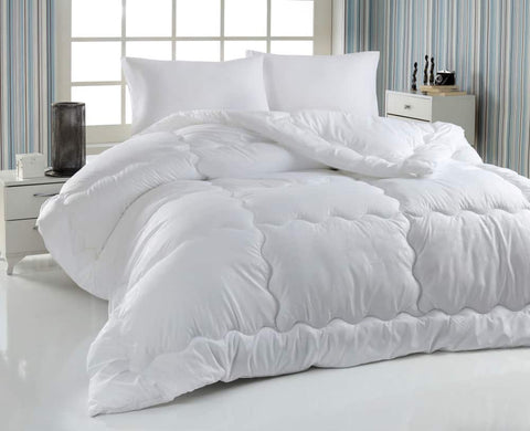 difference between coverlet and duvet