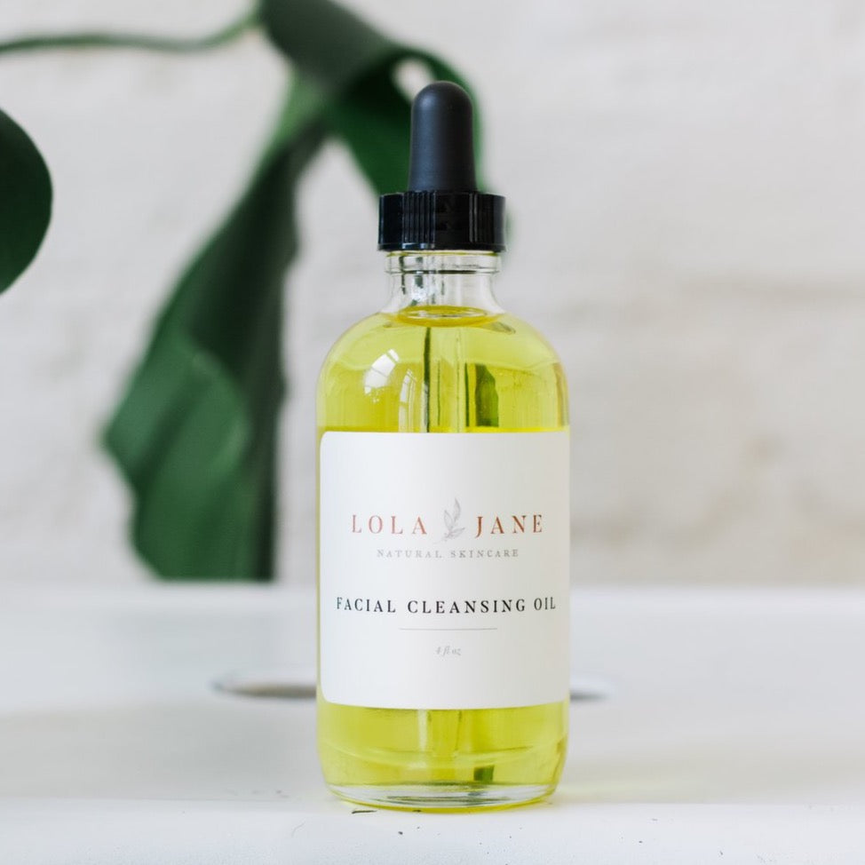 Dissolve Makeup & Impurities  Treat your skin to 100% organic blend of skin nourishing botanical oils. This balanced, hydrating cleanser soothes sensitive skin, clears congestion and restores skin's natural glow. For all skin types.