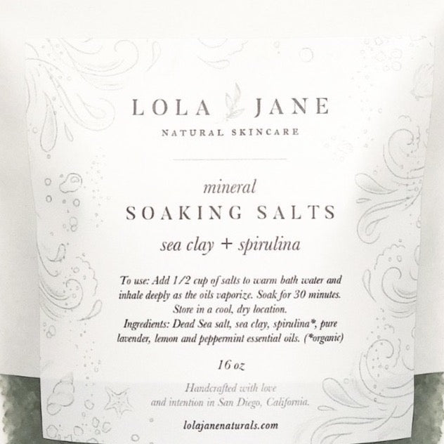 Sea Clay + Spiraling Mineral rich Dead Sea salt and detoxifying sea clay combine with a soothing essential oil blend for total mind and body wellness. Packaged in a resealable zip-top pouch.