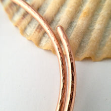 Load image into Gallery viewer, Copper Spiral Bangle