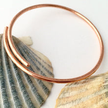 Load image into Gallery viewer, Hammered Open Copper Bangle