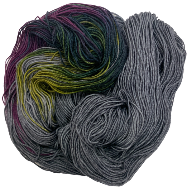 Wonderland Yarns Colorbursts Queen of Hearts - beWoolen