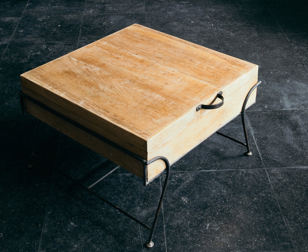 Table basse / coffre.
