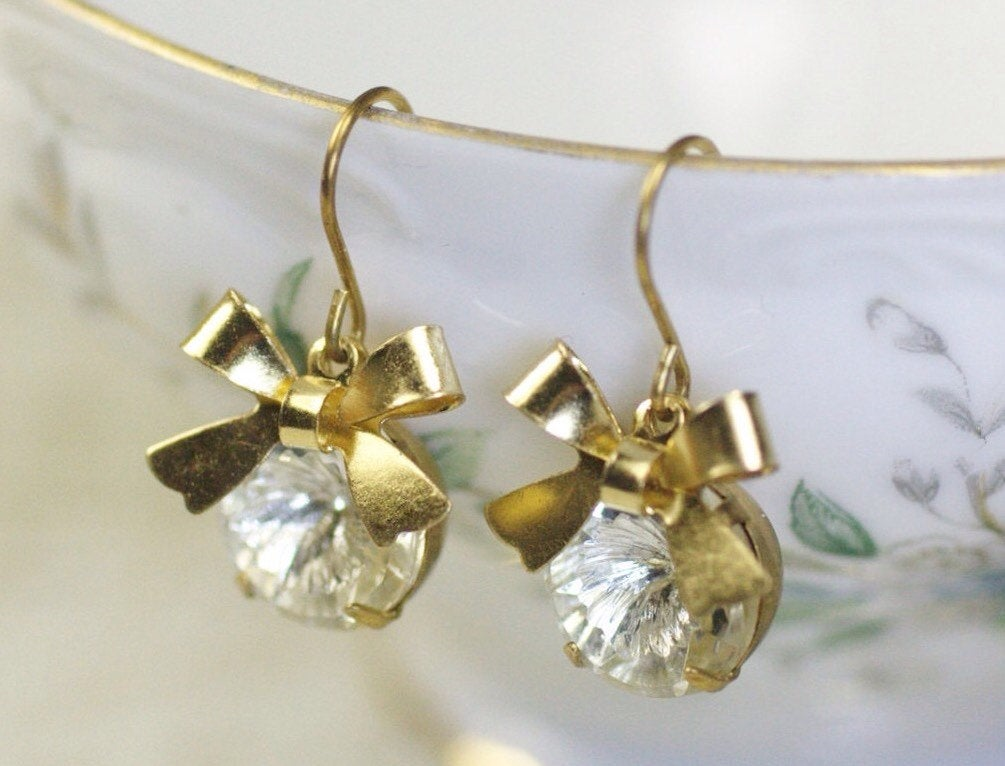 Crystal bow earrings dangle gold jewel glass retro 50's glamour vortex vintage brass rhinestone gem bridal