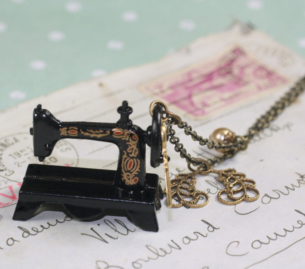 Sewing machine necklace brass seamstress victorian vintage style scissors
