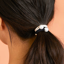 Load image into Gallery viewer, Lilla Pearl Hair Tie