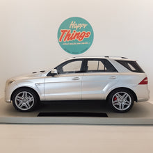 Indlæs billede til gallerivisning 1:18 Mercedes-Benz ML63 AMG, LS Collectibles, limited 250 stk., lukket model