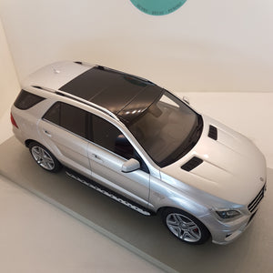 1:18 Mercedes-Benz ML63 AMG, LS Collectibles, limited 250 stk., lukket model