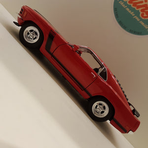 1:24 Ford Mustang Boss 302, rød, Welly, delvis åben model