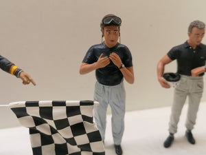 1:18 Fangio attaching his helmet, LeMans Miniatures 118027