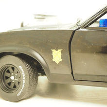 Indlæs billede til gallerivisning 1:18 Ford Falcon XB Interceptor, matsort, 1973, Last of the V8 Interceptors 1979, movie, fra MadMax filmen, Greenlight 12996