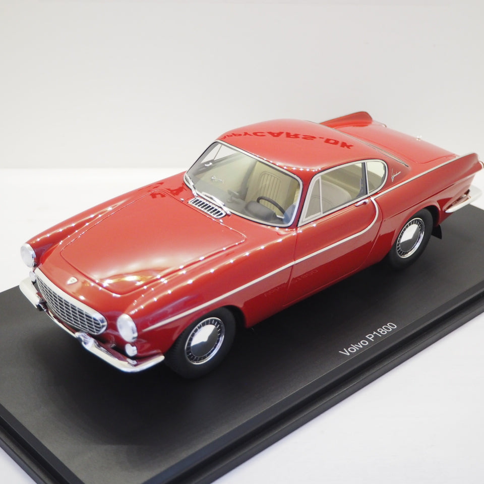 1:18 Volvo P1800 Jensen, rød, DNA Collectibles, limited 320 stk, lukket model