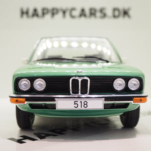 1:18 BMW 5er E12, lysegrøn metallic, MCG, lukket model