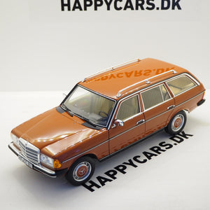 1:18 Mercedes-Benz E-klasse 230TE S123, 1982, english red, Norev 183732, åben model