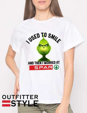 Grinch I used to smile and then I worked at Spar T-shirt Woman