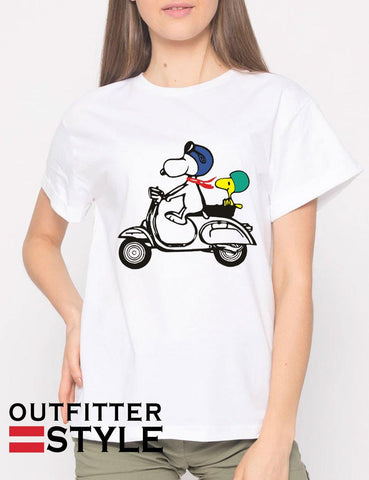 Snoopy and Woodstock on a Vespa T-shirt Woman