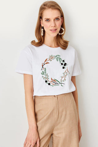 Summer White Embroidered Knitted Streetwear Women Casual T Shirt