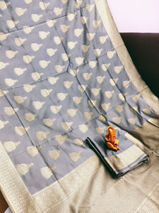 New Design with Golden Rich pallu Grey color Saree with Maching Blouse