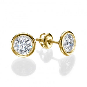 Round shape, crystal setting diamond earrings, stunning design special for women