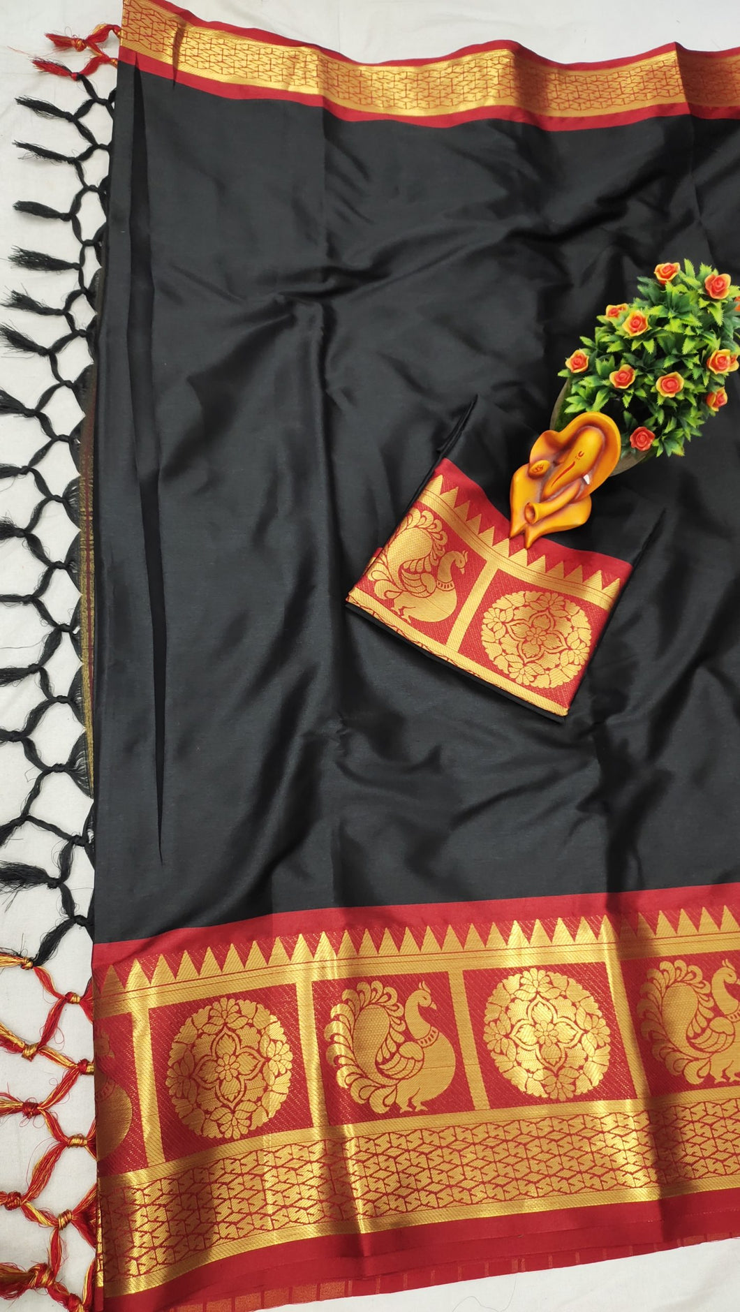 Pure Cottan Aura silk Black color saree Contrast Pallu And Maching Border Blouse