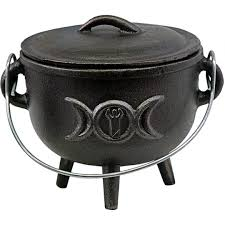 Triple Moon Cauldron Cast Iron 4.5 inch