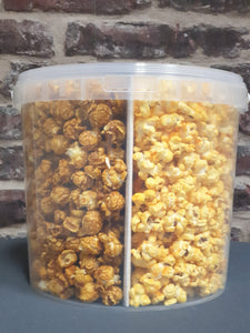 Friends & Family Popcorn bucket with Kettle Corn, Caramel Seasalt & Cheddar Cheese