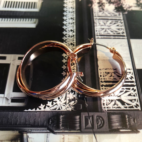 Intertwined Hoop Rose Gold earrings