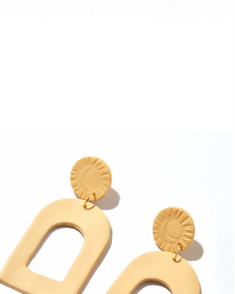 CLAY EARRINGS | LARGE SAND