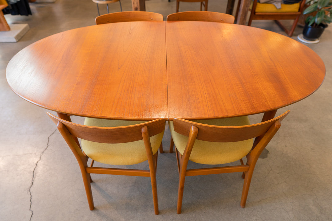 Mid Century Oval Dining Set w/ Four Chairs Designed by Alfred Sand, Møbelfabrik