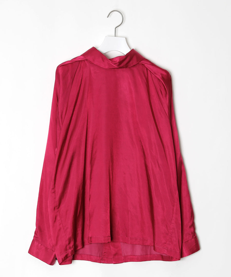 Blouse with tucks