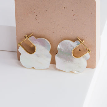 Crest mother of pearl Moroccan earrings