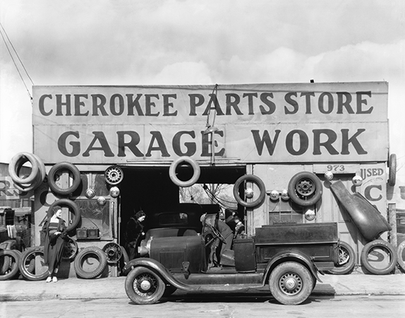 New Art! Walker Evans' 1930s Auto Shop