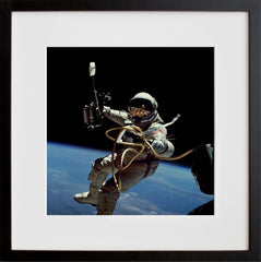 Gemini IV: Spacewalk I (S65-34635)
