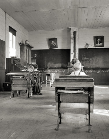 9:00 a.m. Four Pupils Attend This Day. Baker County, Oregon