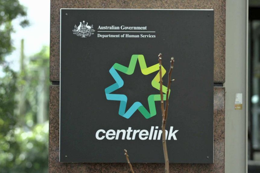 Government to pay back $721m as it scraps Robodebt for Centrelink welfare recipients